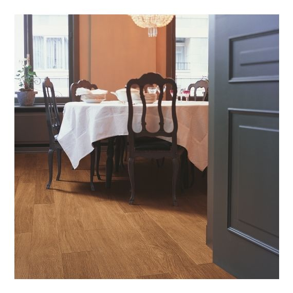 Quick-Step Flooring Perspective 4 Dark Varnished Oak UF918 Laminate Flooring
