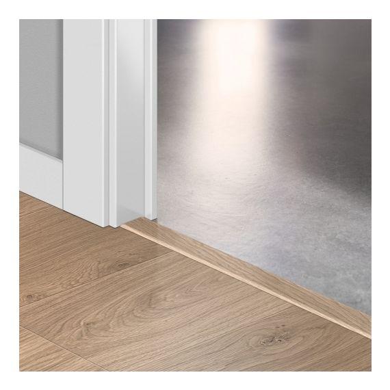 Quickstep Incizo Door/Stair Profiles Elite Worn Light Oak Planks
