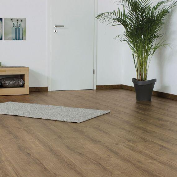 Elesgo Amber Oak Contour Laminate Flooring