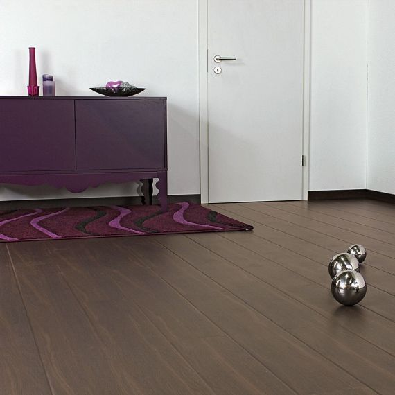 Elesgo Barlo Oak Contour Laminate Flooring