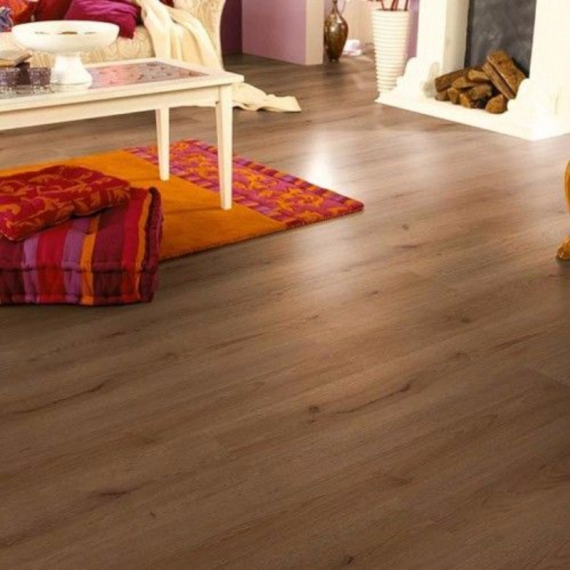 Cheap Laminate Flooring HDM Oak Laminate Flooring 6mm £4.16m2