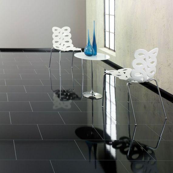 Elesgo Supergloss Black Maxi V5 Laminate Flooring Tile