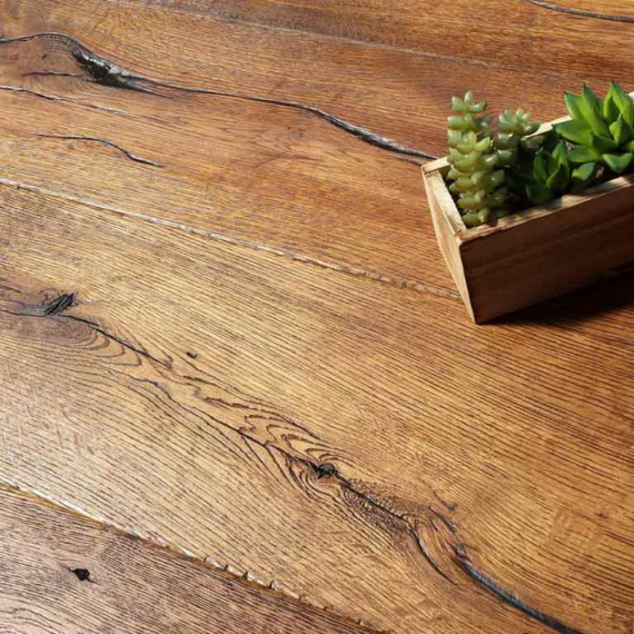 Engineered Wood Flooring Antique Distressed Golden Oak Oiled 220mm x 15mm Chene