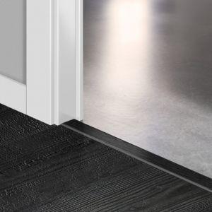 Quickstep Incizo Door/Stair Profiles Impressive Burned Oak Planks