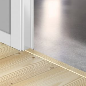 Quickstep Incizo Door/Stair Profiles Impressive Natural Pine Planks