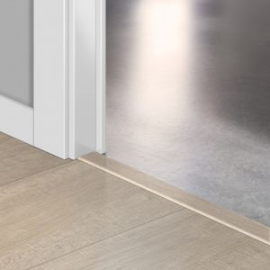 Quickstep Incizo Door/Stair Profiles Impressive Sawcut Oak Beige Planks
